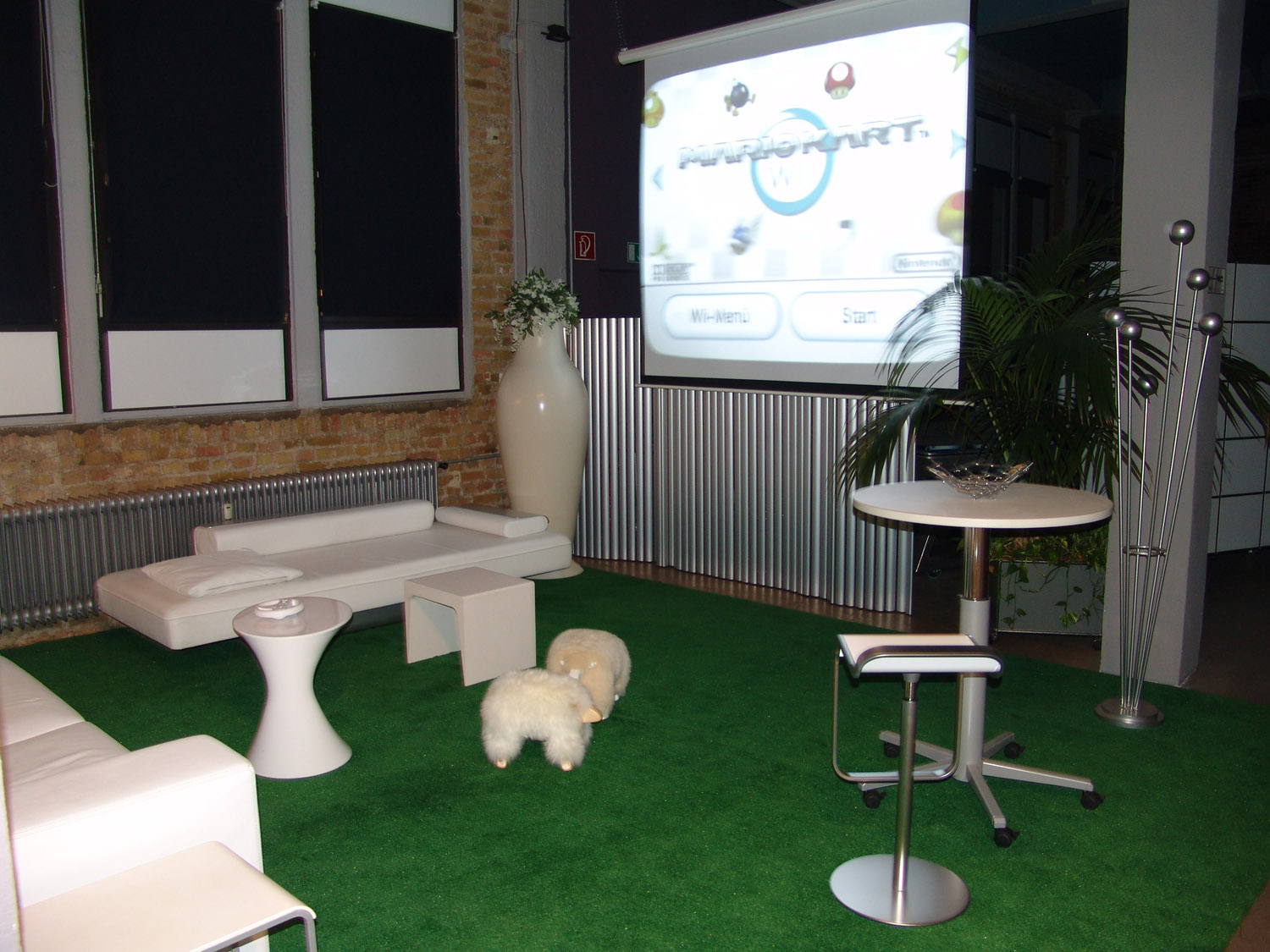 2009_09_wii lounge-12